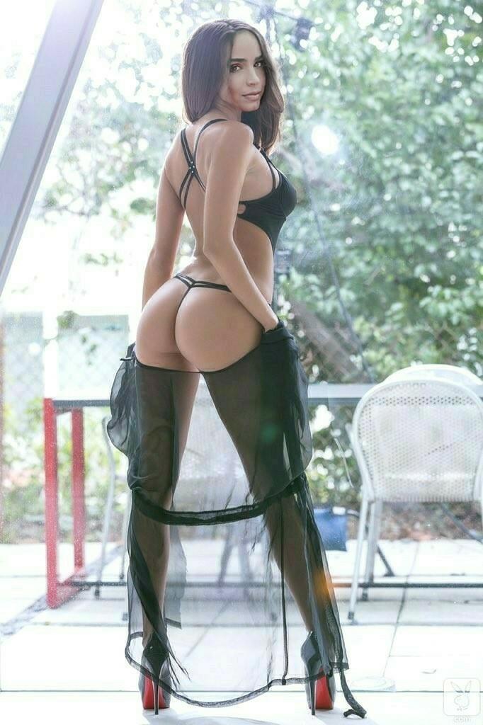 Sofia carson fotos actrices famosas desnudas