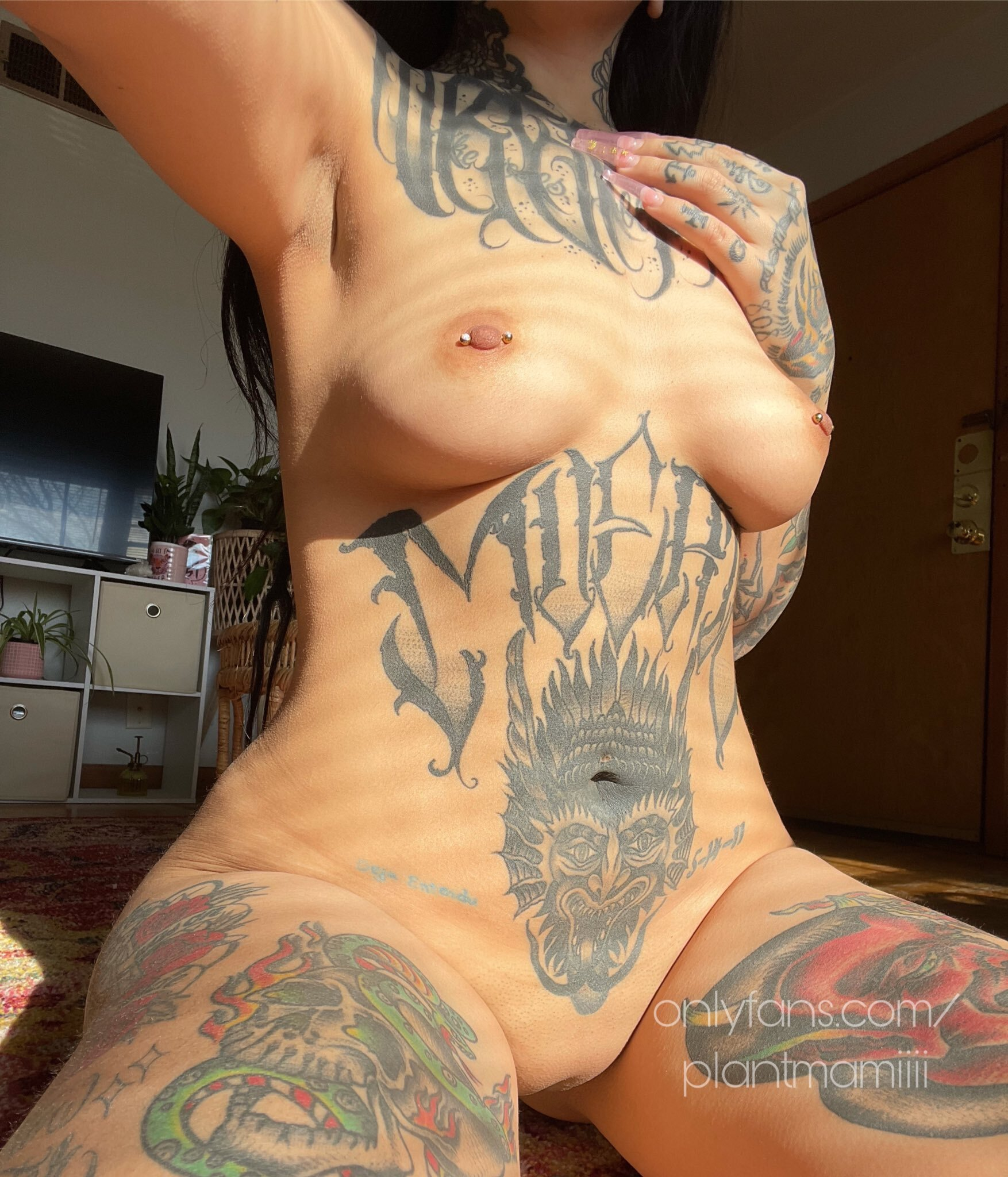 Os gustan las chicas sexy tatuadas ?