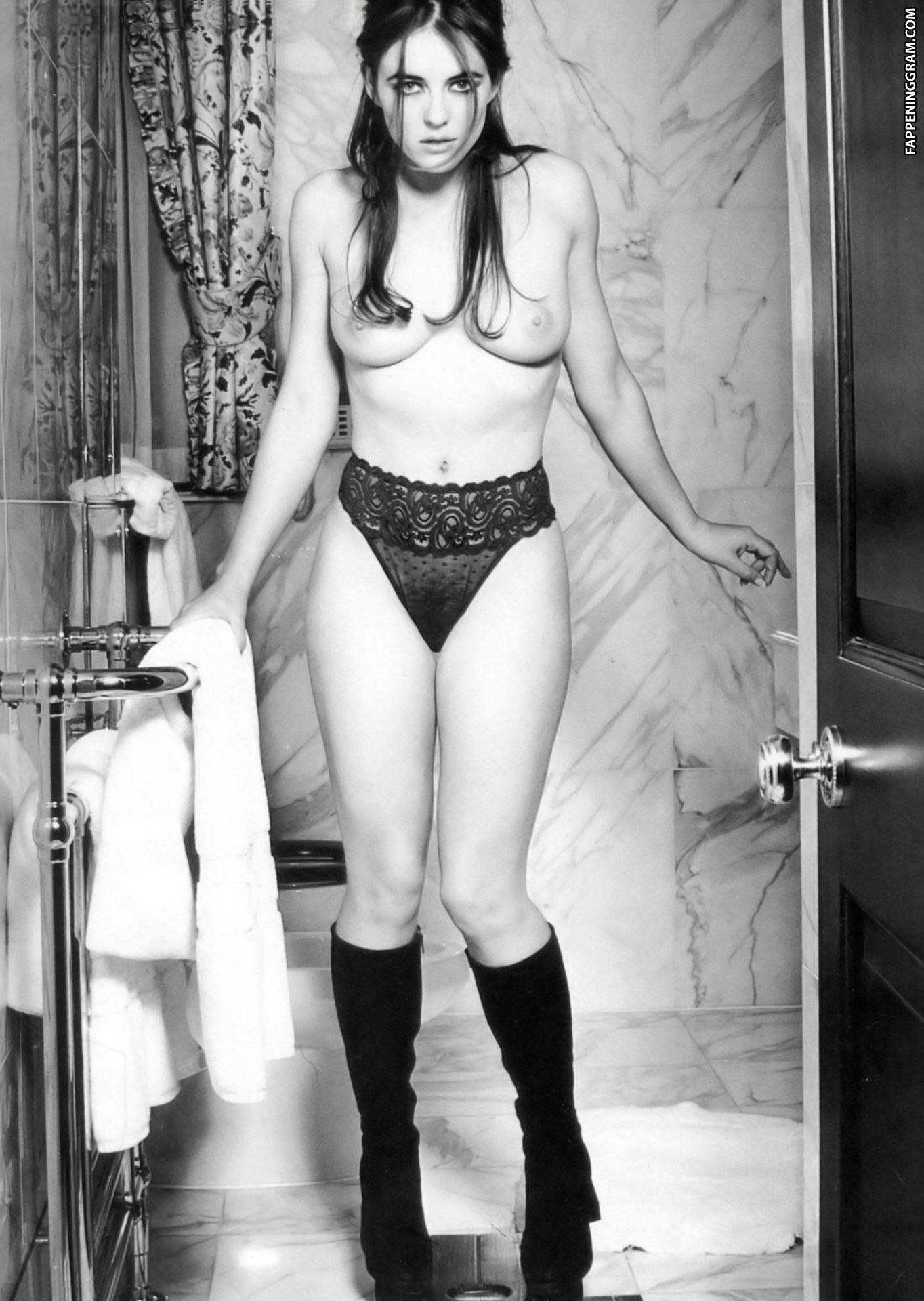 Elizabeth Hurley, actriz, fotos famosas xxx